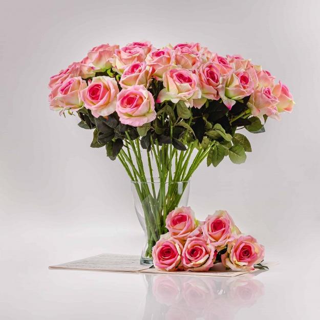 Umělá sametová růže ŽANETA bílo-růžová. Cena uvedena za 1 kus.