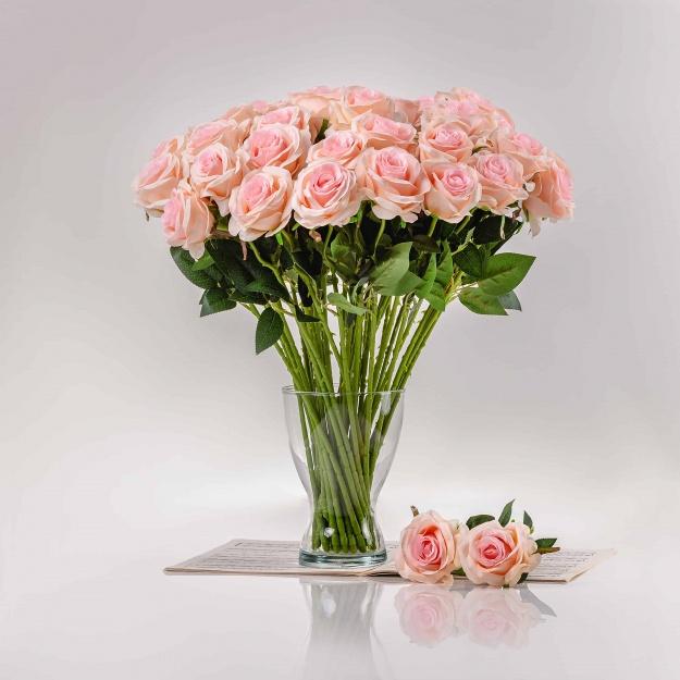 Selyem rózsa SZIMONA világos rózsaszín. Ár/darab.