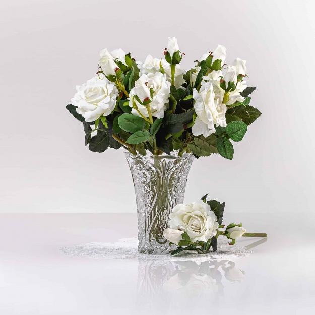 Umelá zamatová ruža VANESA biela. Cena uvedená za 1 kus.