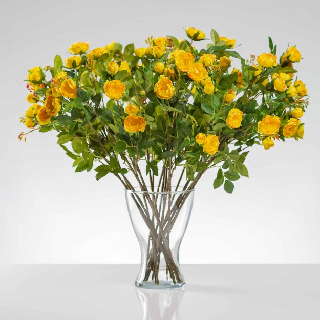 Umělá hedvábná růže LAURA žlutá. Cena uvedena za 1 kus.