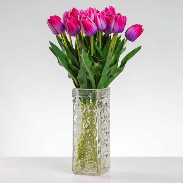 Umělý tulipán BEATA cyklámenový. Cena uvedena za 1 kus.