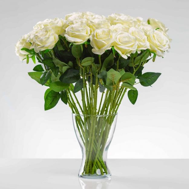 Umělá růže SIMONA bílá. Cena uvedena za 1 kus.