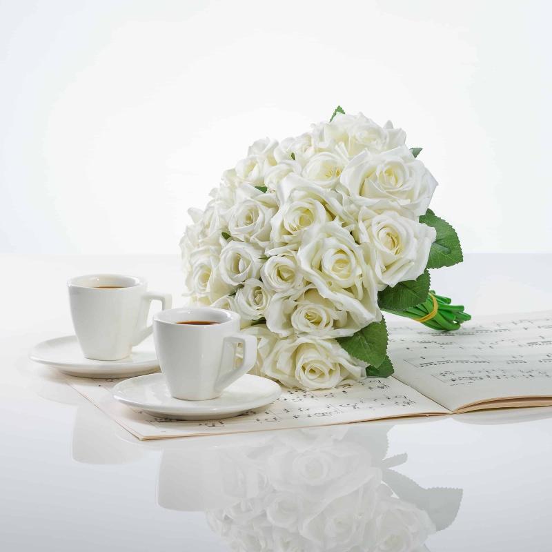 Elegantná kytička z ruží VIERA biela