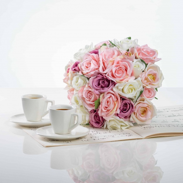 Elegantní kytička z růží VĚRA mix.
