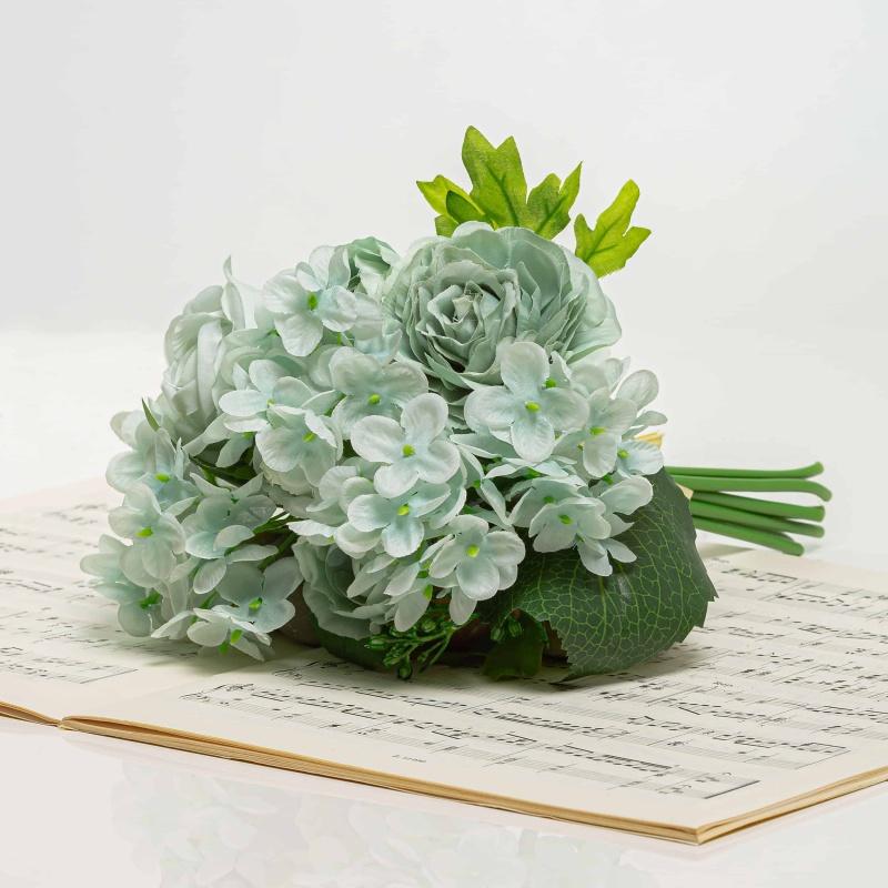 Csokor hortenzia és rózsa - BRIGITA halvány kék.