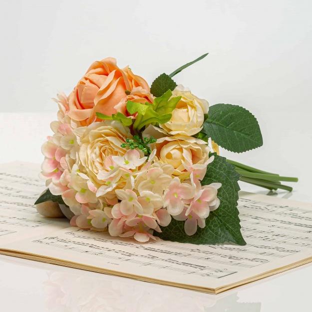 Csokor hortenzia és rózsa - BRIGITA rózsaszín-barack színű.