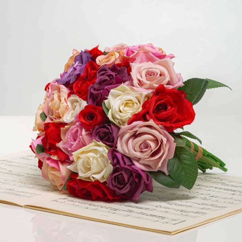 Elegáns virág rózsákból VIERA