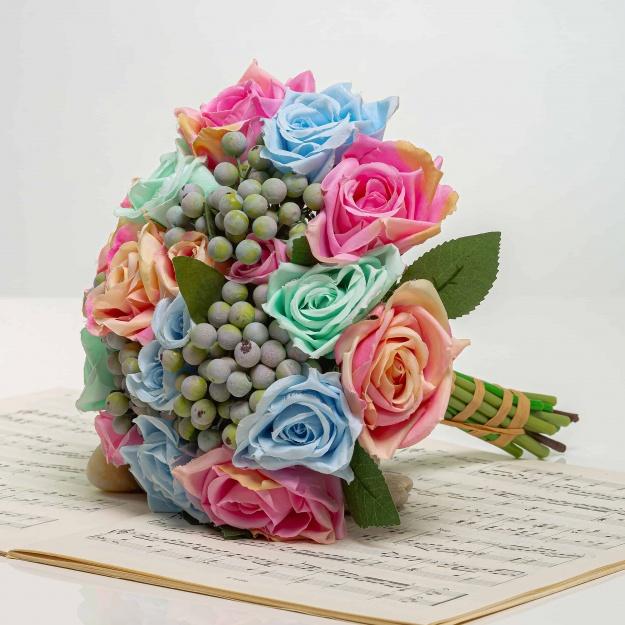Kytička z ruží s bobuľami NORA mix