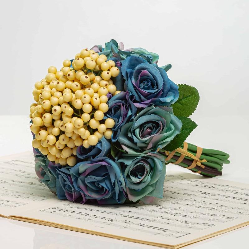 Kytička z ruží s bobuľami NINA modrá