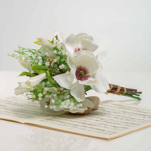 Bouquet of magnolia HENRIETA