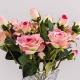 Umělá sametová růže VANESA světle-růžová. Cena uvedena za 1 kus.