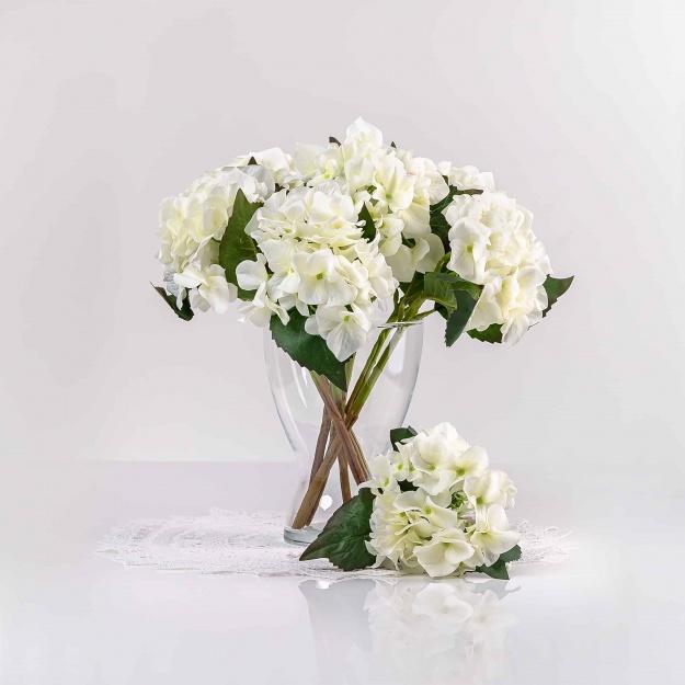 Umělá hortenzie EVA bílá. Cena uvedena za 1 kus.
