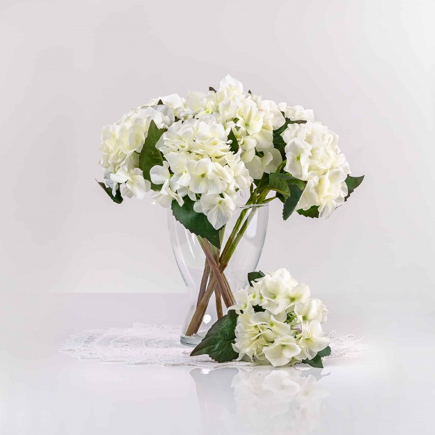 Umelá hortenzia EVA biela. Cena uvedená za 1 kus.