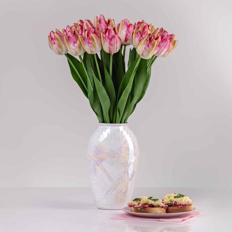 Umelý exkluzívny tulipán ELA tmavo-ružový. Cena uvedená za 1 kus.